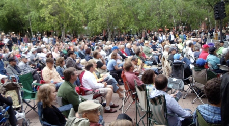 The crowd in Mears Park at the Twin Cities Jazz Festival